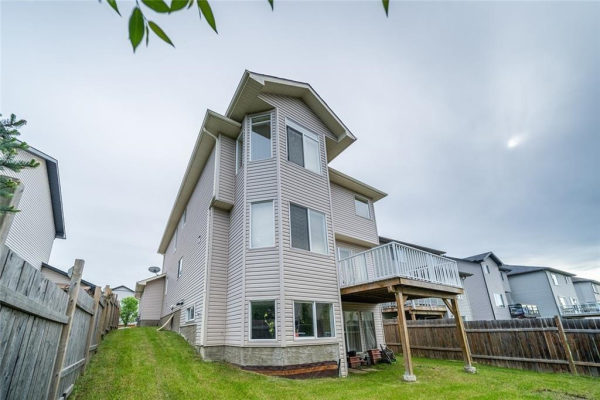 309 WEST LAKEVIEW DR , Chestermere