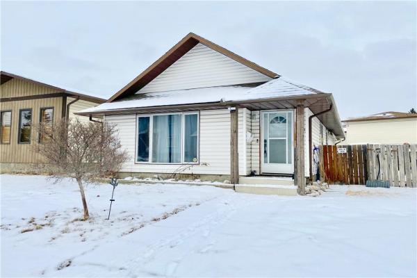 20 CASTLEBROOK PL NE, Calgary