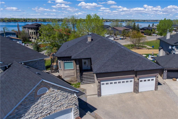 424 East Lakeview PL , Chestermere