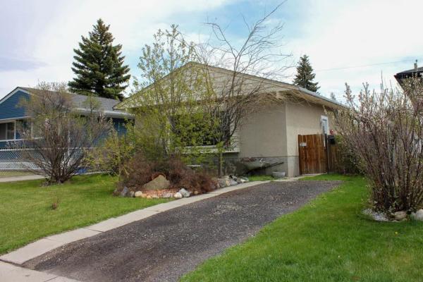 7924 HUNTINGTON RD NE, Calgary