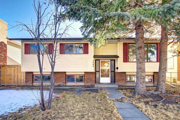 2646 38 ST NE, Calgary