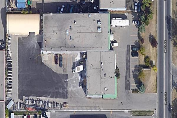 3405 32 ST NE, Calgary