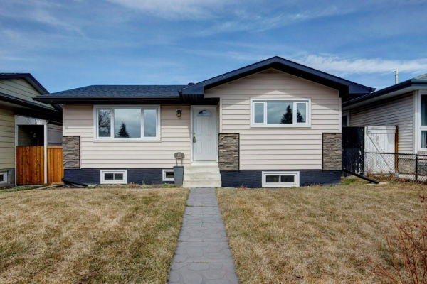 40 DOVER MEADOW Close SE, Calgary