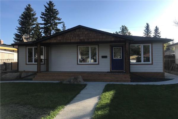 8016 36 AV NW, Calgary