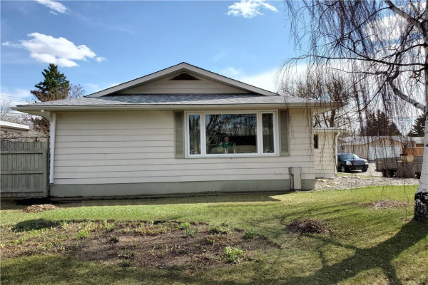 335 WEDDENBURN RD SE, Calgary