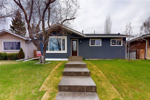 447 ASTORIA CR SE, Calgary
