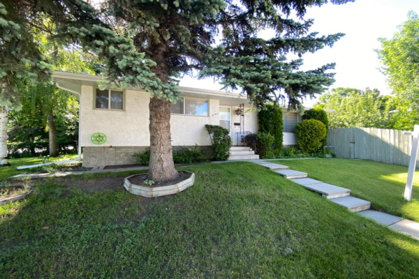 4103 40 Street NW, Calgary