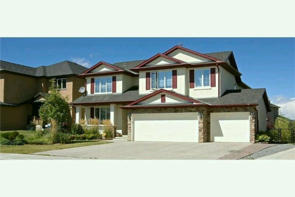 381 Rainbow Falls Way, Chestermere