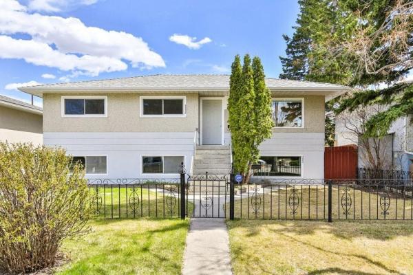 3328 39 Street SW, Calgary
