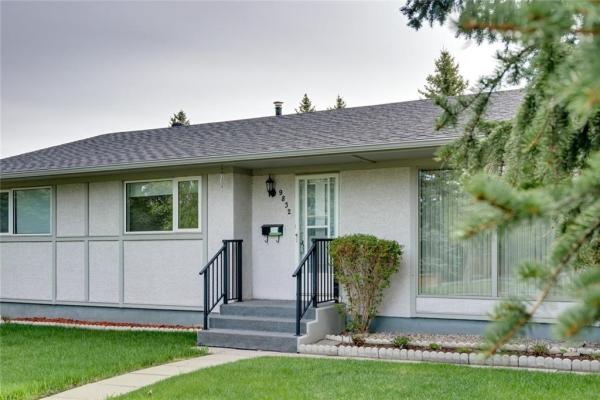9832 24 ST SW, Calgary