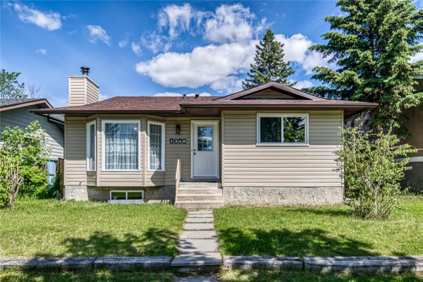 1248 FALCONRIDGE DR NE, Calgary