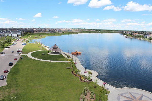 820 EAST LAKEVIEW RD , Chestermere