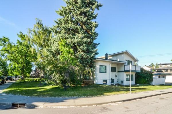 2838 26A ST SW, Calgary