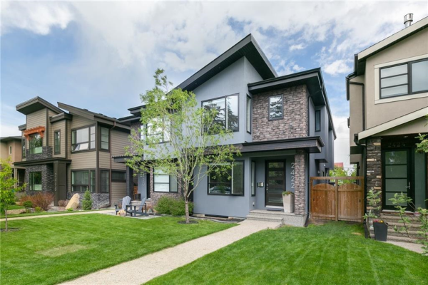 2422 25 Street SW, Calgary