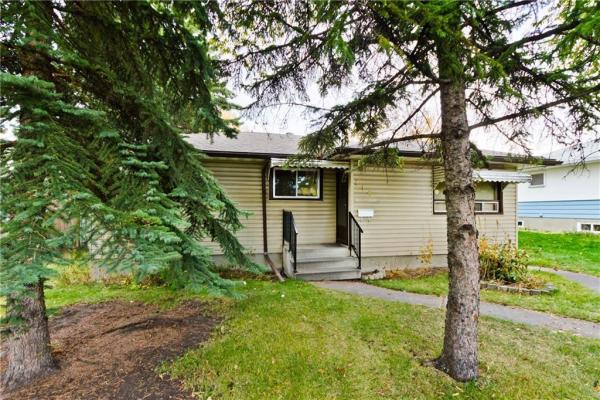 116 LISSINGTON DR SW, Calgary