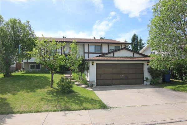 4407 53 Street NW, Calgary