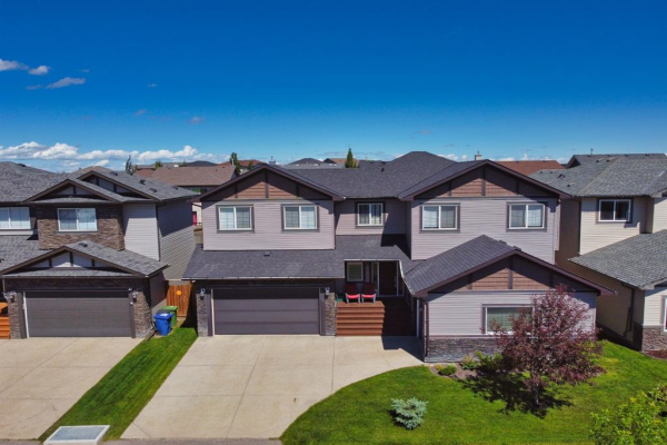 730 CANOE Avenue SW, Airdrie