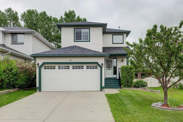 22 Alcock Close, Okotoks