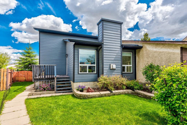 152 PINEMEADOW RD NE, Calgary