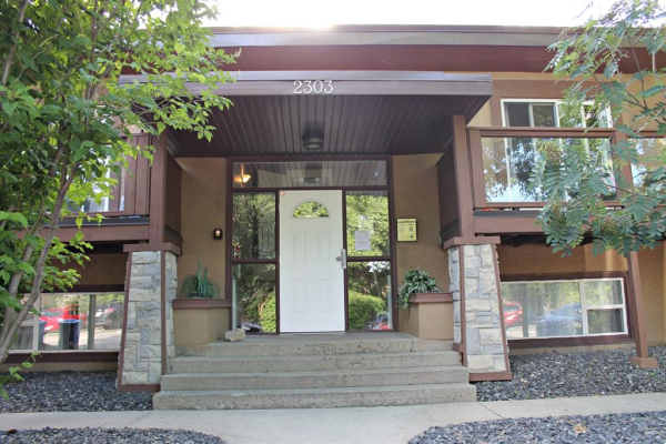 2303 16 Street SW, Calgary