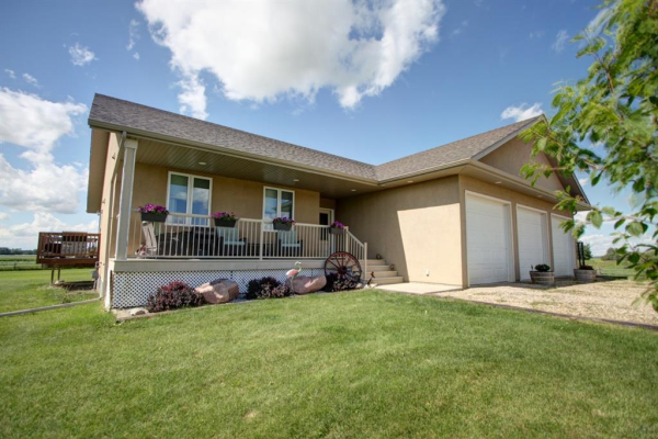 1042 Township Road 380, Rural Red Deer County