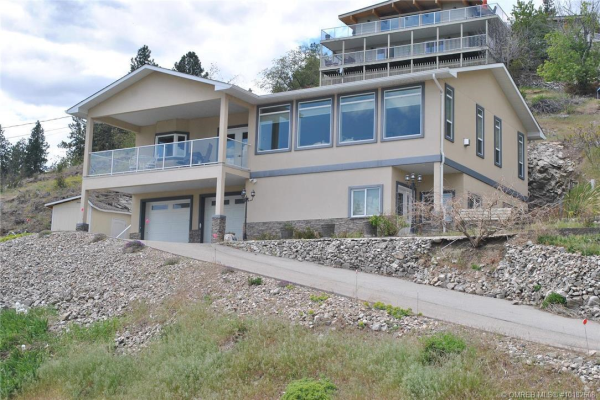 6342 Topham Place,, Peachland