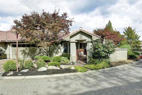 #12 4400 Gallaghers Drive, E, Kelowna