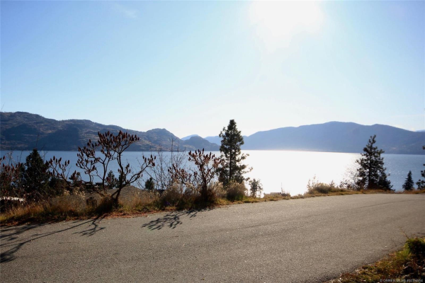 4258 2nd Avenue,, Peachland