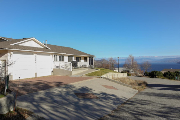 6084 Beatrice Road,, Peachland
