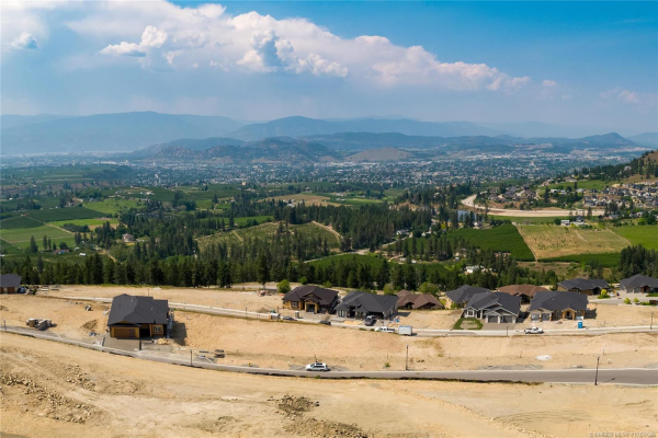 #Lot 17 2150 Cortina Drive,, Kelowna