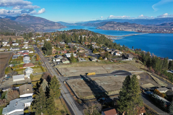 700 Lake Court,, West Kelowna