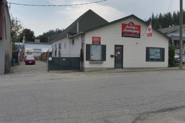 702 Russell Avenue,, Enderby