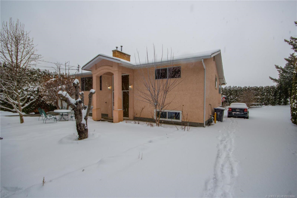 1316 Ponderosa Road,, West Kelowna