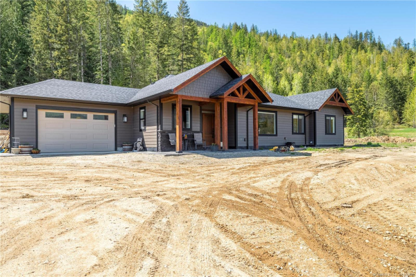 3702 Trinity Valley Road,, Enderby