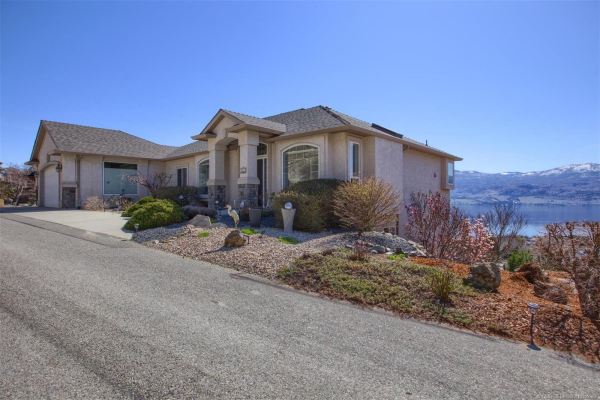 1462 Gregory Road,, West Kelowna