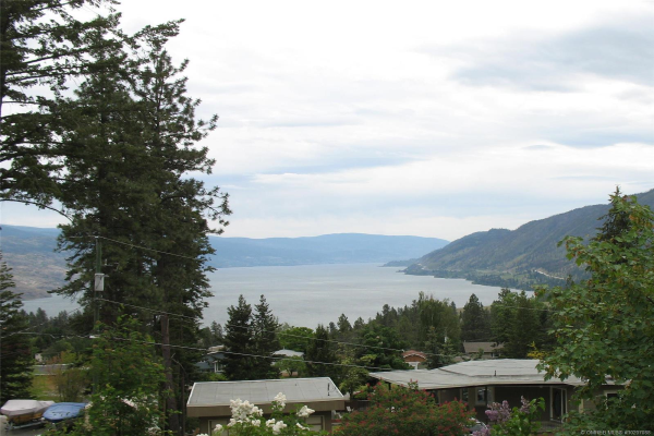 6342 Forest Hill Drive,, Peachland