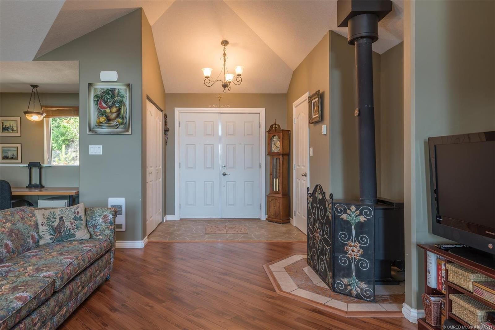 Listing 10208211 - Thumbmnail Photo # 9