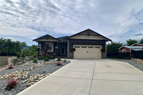 3953 McKechnie Drive,, Armstrong