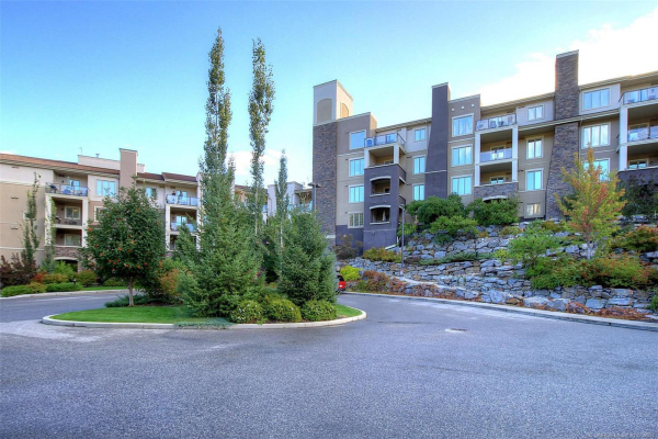 #1416 1875 Country Club Drive,, Kelowna