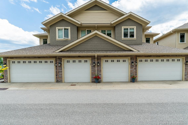 #17 2283 Shannon Heights Court,, West Kelowna