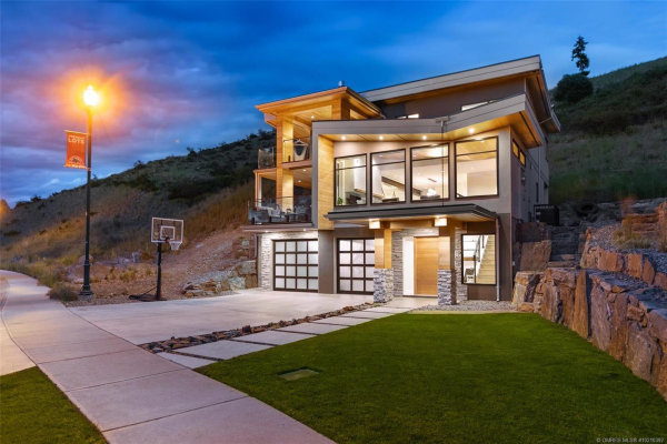 5621 Mountainside Drive,, Kelowna