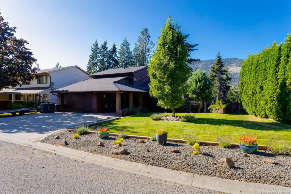 3142 Shannon Place,, West Kelowna