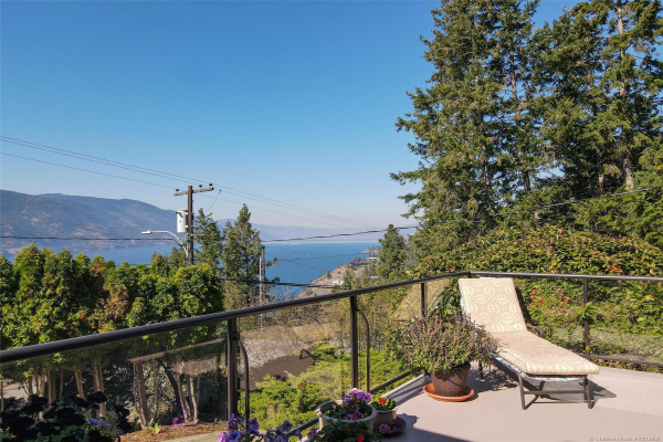 155 Clifton Road, N, Kelowna