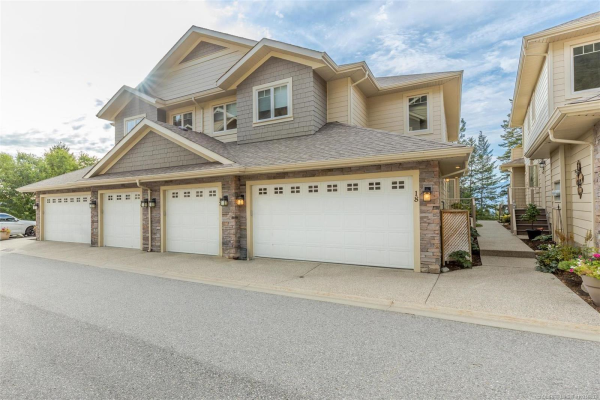 #18 2283 Shannon Heights Court,, West Kelowna