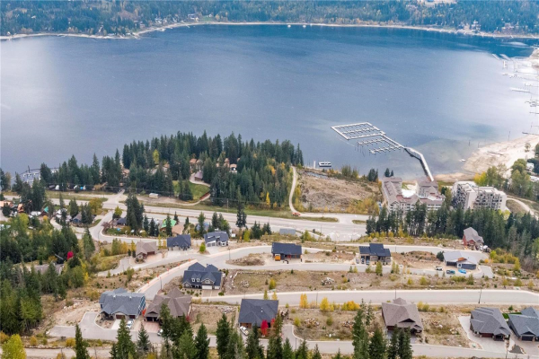 262 Bayview Drive,, Sicamous