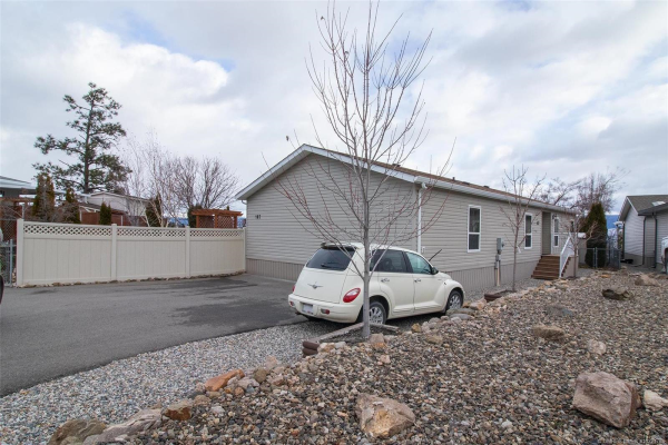 #107 1750 Lenz Road,, West Kelowna BC