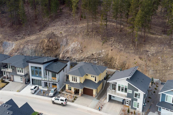 2552 Crown Crest Drive,, West Kelowna
