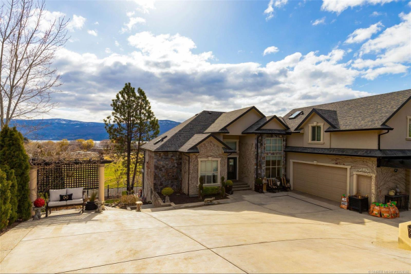 3593 Empire Place,, West Kelowna