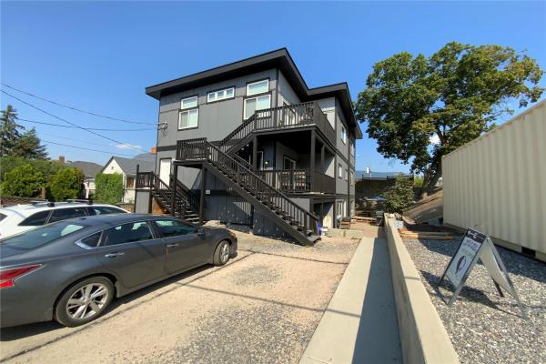 2000 32 Street,, Vernon