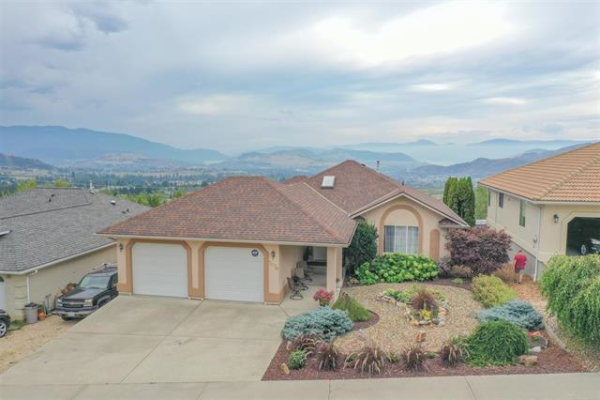 7079 Foothills Place,, Vernon
